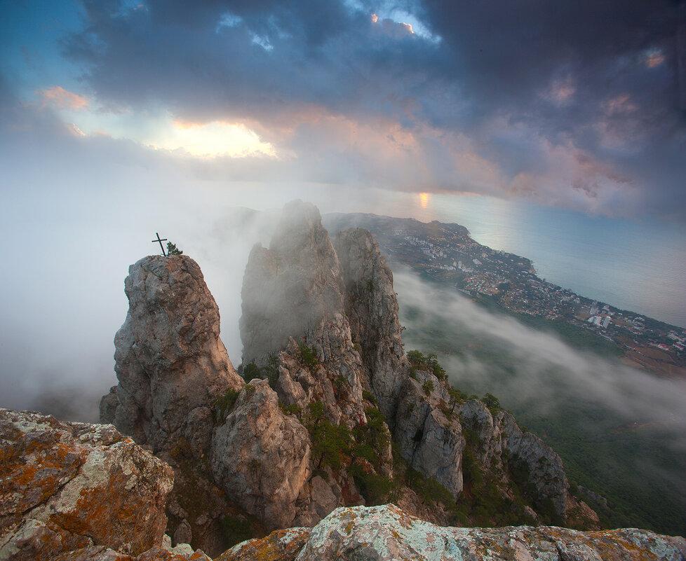 Туман на Ай-Петри - Сергей Титов