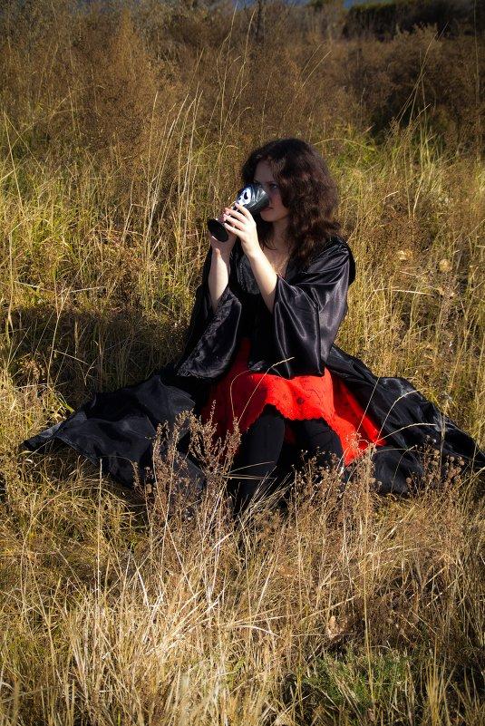 Девушка в траве - Марина Кириллова