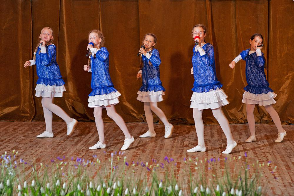 Мы танцуем и поем, вместе весело живем! - Анатолий Тимофеев