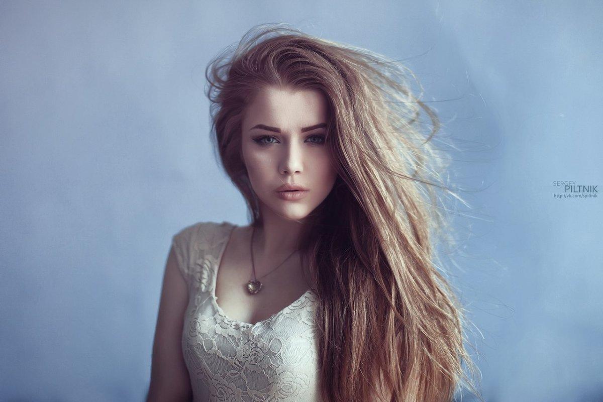 Самые красивые девушки в блузках 15 фотография