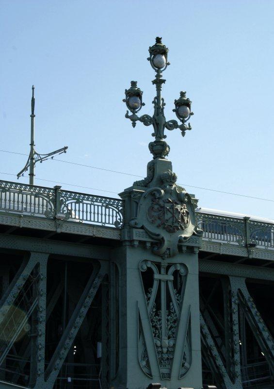 Фонарь на Троицком мосту - Алексей Кудрявцев