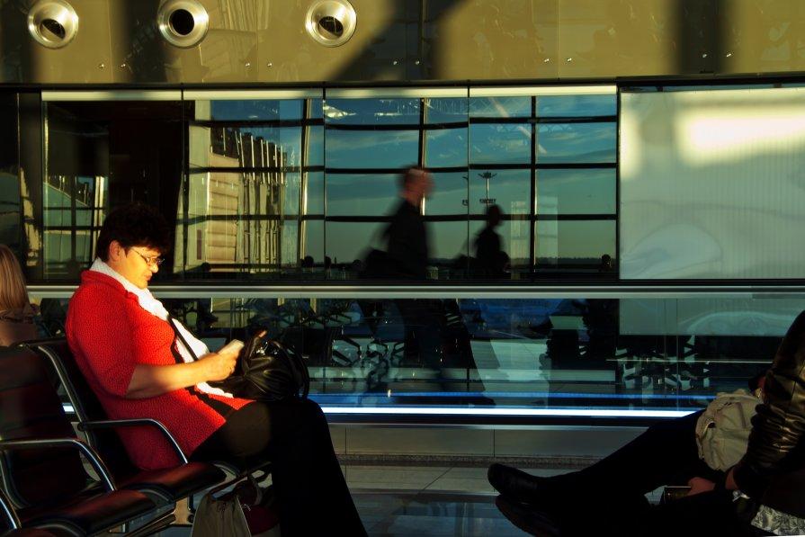 ожидание в аэропорту - Дмитрий Чернокальцев