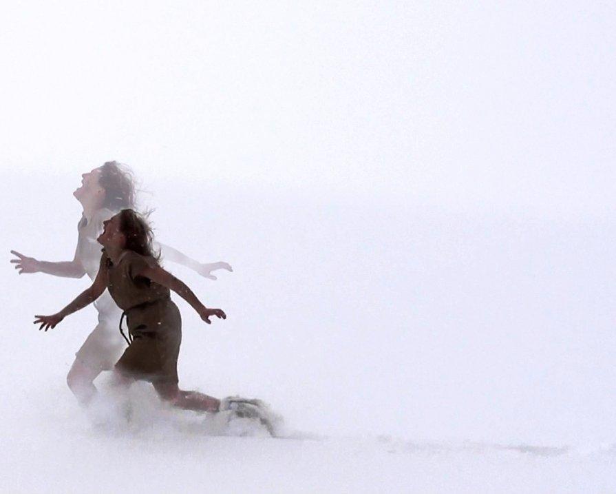Снег кружится во мне... и мне больно! - Never Forever