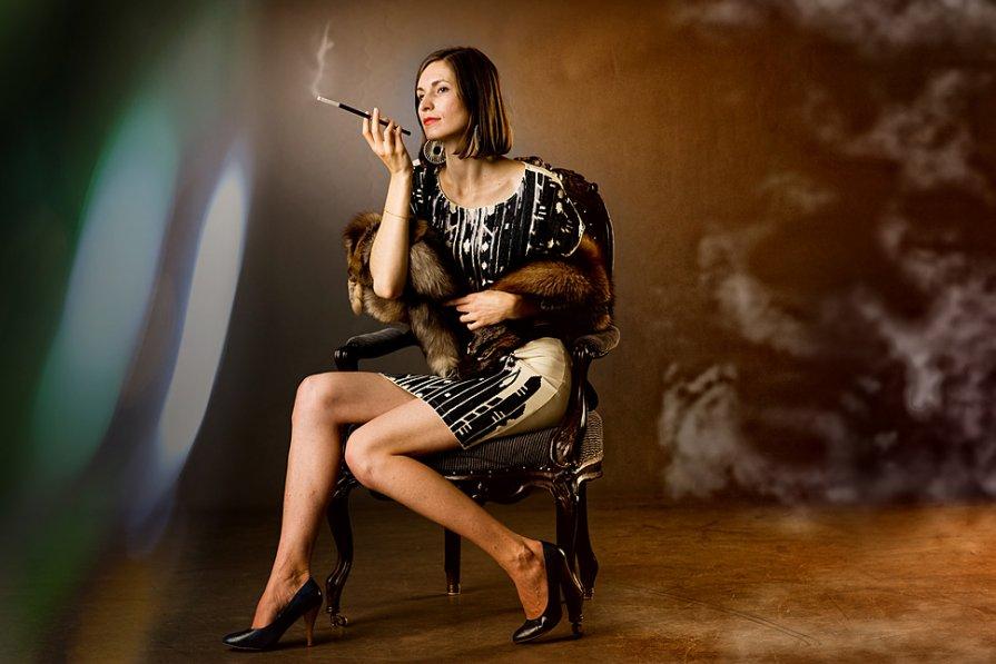 дама с сигаретой - Александр Истинный