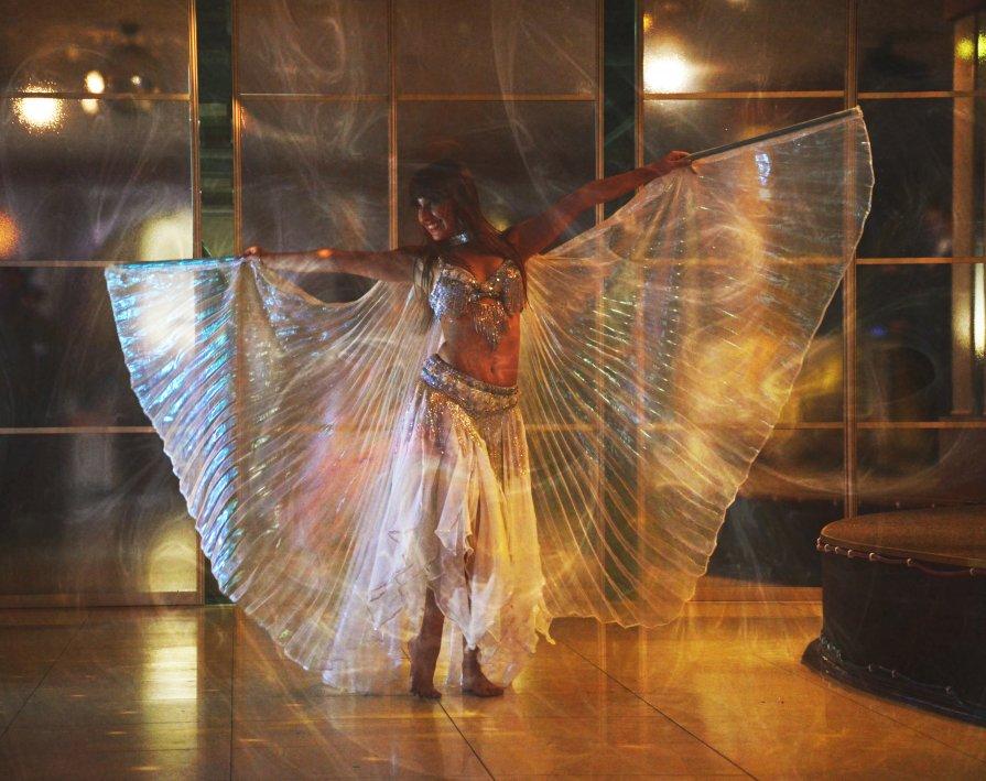 feelin' like flyin' - Altah ET