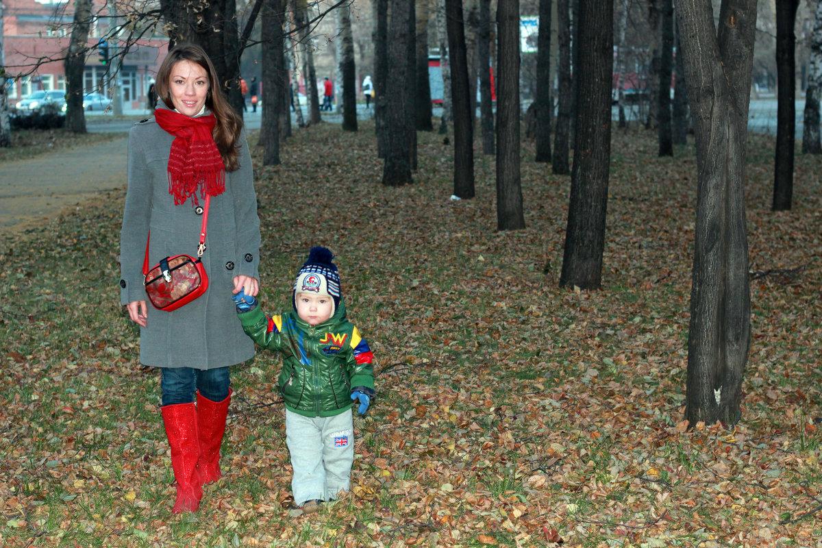 С мамой в лесу 12 фотография