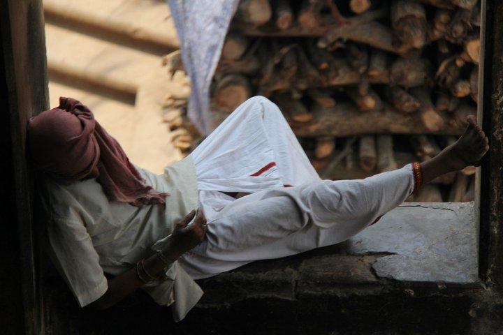 Drug addict dreaming. Varanasi. India. - Eva Langue