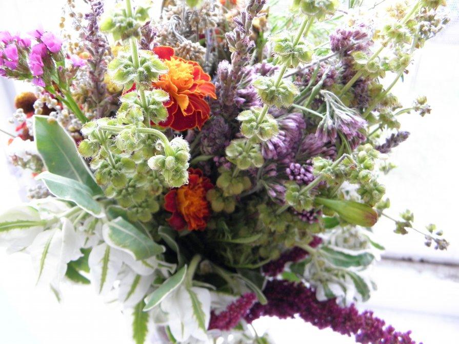 Весенние цветы - Виталина Хуст