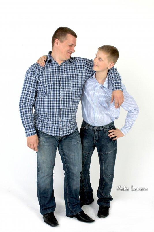 папа и сын - Надежда Леманн