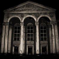 Старое здание Дворца Культуры :: Настасья Емельянова