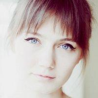... :: Polina Geraskina