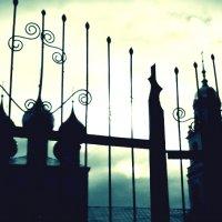 Пред вратами Церкви :: Кристина Кеннетт