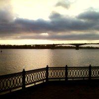Раннее утро на Волжской Набережной :: Кристина Кеннетт
