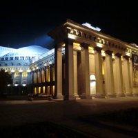 Величественный Оперный театр :: Денис Мельников