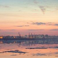 Нижний Новгород. 17 апреля 2012г. Ледоход :: Евгений Тимофеев