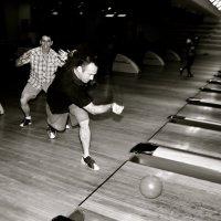 Bowling :: Eva Langue