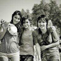 Три подружки :: Дмитрий Евтюхов