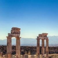 Развалины города Иераполис в Малой Азии (I век до н.э.) :: Andrei Dolzhenko