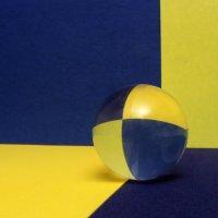 Стеклянный шарик :: Александр Титов