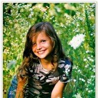 Девочка в высокой траве :: Константин Нусенко
