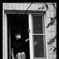 Девушка и окно :: Настасья Матвеева