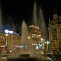 Ночной фонтан :: Игорь Мукалов