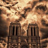 Notre Dame de Paris :: Gene Brumer