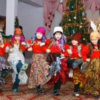 А Бабу Ягу, товарищи, будем выращивать в своем коллективе!!! :: Дарья Казбанова