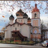 А из нашего окна церковь красная видна :: Евгений Никифоров