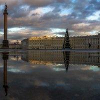 Отражение Дворцовой площади :: Valeriy Piterskiy