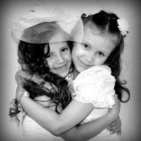 Сестрёнки!!!Ангелина  и Илона :: Ираида Бригвадзе