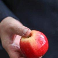 яблоко молодильное :: Ira M