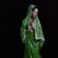 Примеряя сари :: Вера