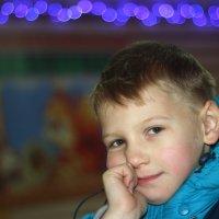задумался....  взгрустнулось ребенку :) :: Олеся Дашковская