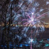 Новый год из окна :: Юрий Крутский