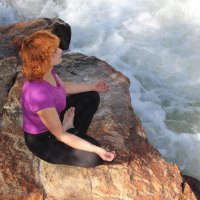 Спокойствие над бурным потоком :: Светлана Попова