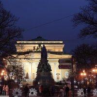 Площадь Островского в Новогоднюю ночь. :: Михаил Лесин