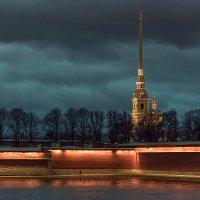У стен Петропавловской крепости. :: Валентин Яруллин