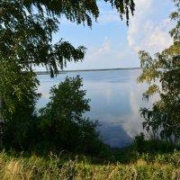 У озера :: Геннадий Ячменев
