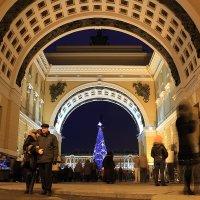 Арка Главного штаба в новогоднюю ночь :: Михаил Лесин