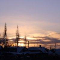 Возьми меня с собой, пурпурная река, прочь унеси меня с собой, закат. :: Лиса Алиса