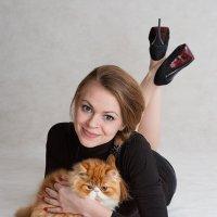Опять этот вездесущий рыжий котенок! :: Анатолий Тимофеев