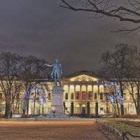 Новогодняя площадь Искусств :: Михаил Лесин