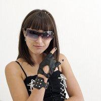 Шипы, очки и рок форева 2 :: Viela ^_^