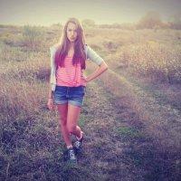 девушка в поле :: Таня Новик