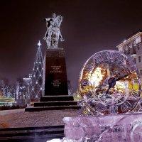 моя столица ночная москва(памятник Юрию Долорукому основателю Москвы в новогодние праздники) :: юрий макаров