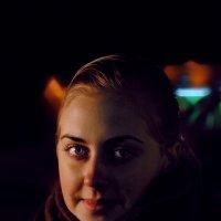 Ночной портрет девушки :: Антон Радаев