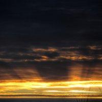 Как часто небо похоже на море... :: Ирина Петрова