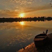 Закат у реки. :: Марина Соколова