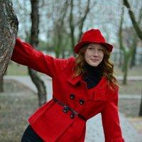 Красная шапочка в пасмурный день :: Вероника Томилова